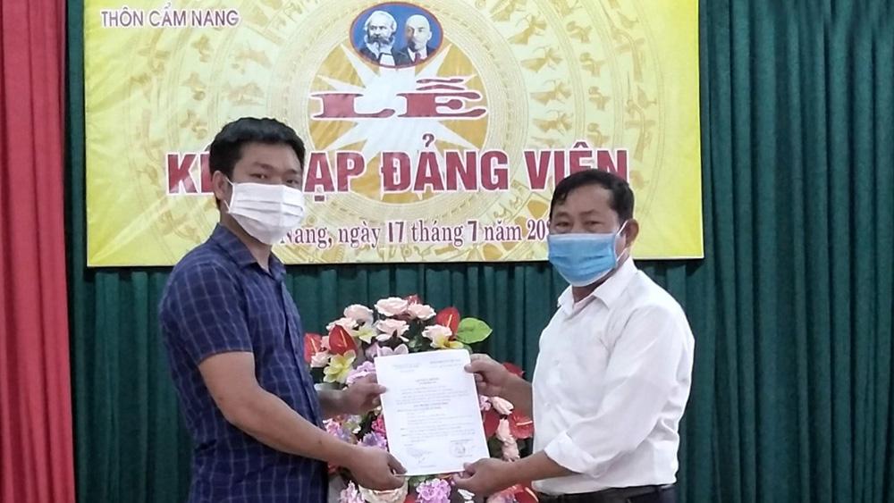 Lục Nam tăng nguồn lực trẻ cho Đảng